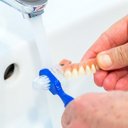 cleaning dentures